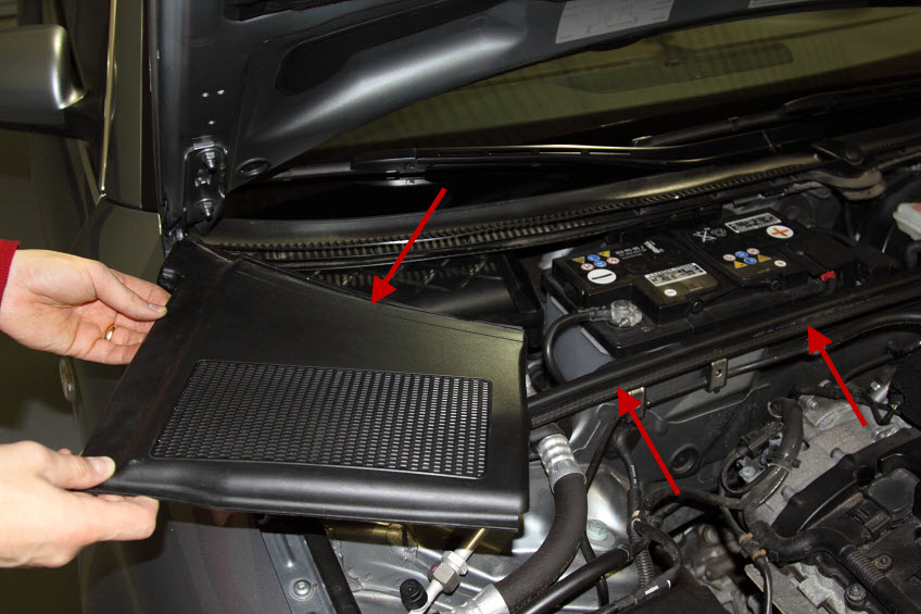 Audi A4 Engine Cover Install 03